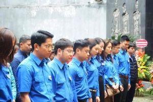 Thanh niên Cục Thuế Hà Nội tưởng niệm anh hùng liệt sỹ