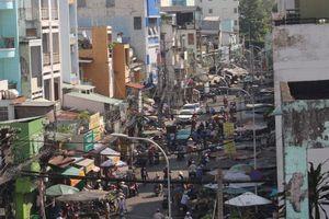 Cảnh nhếch nhác ở chợ tạm Cô Giang giữa lòng TP.HCM trước ngày di dời