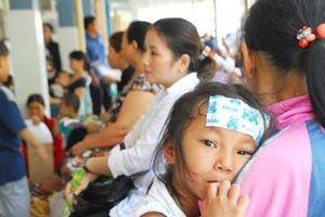 Sài Gòn nắng nóng, gần 11.000 trẻ em vào viện mỗi ngày