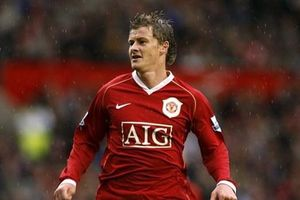 Mãn nhãn với 10 bàn thắng đẹp nhất Solskjaer ghi cho Man Utd