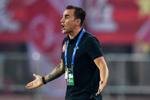 Cannavaro cân nhắc rời ghế HLV tuyển Trung Quốc