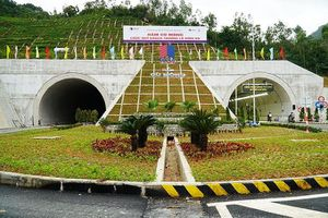 Phí ô tô qua hầm Cù Mông thấp nhất 60.000 đồng/lượt