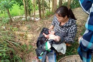 Thanh Hóa: Phát hiện bé sơ sinh còn nguyên dây rốn bỏ rơi ngoài đồng