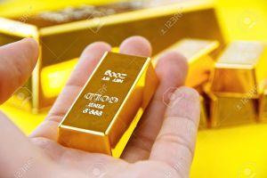 Giá vàng hôm nay 29/3: USD tăng vọt, vàng tụt giảm