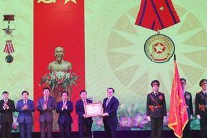 Quận Bắc Từ Liêm đón nhận Huân chương Lao động hạng Ba