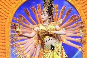 Bạn gái Lộc Hàm xinh đẹp khi hóa thành Hoàn Châu cách cách, Hoàng Dung