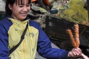 Nhâm nhi tôm nướng, cá nướng thơm lừng giữa vườn quốc gia Ba Bể