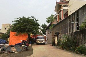 Ngôi nhà đang xây bỗng sập mái hiên, 2 người thương vong