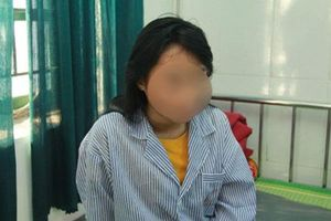 Nữ sinh bị lột đồ, đánh hội đồng ở Hưng Yên: 'Học với các bạn ấy em sợ lắm'