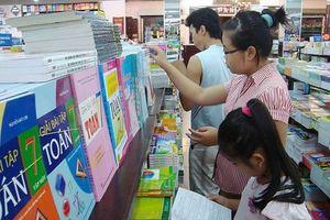 Giá SGK đột ngột tăng sau khẳng định sẽ giữ ổn định cho năm học mới