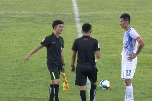 Cầu thủ Cần Thơ tự đá vào lưới nhà: 'Phiên bản Lã Xuân Thắng' sẽ bị phạt rất nặng