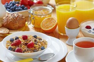 Bất ngờ với cách ăn sáng – ăn tối giúp bạn đẩy lùi ung thư