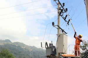 Tuyên Quang: Điện lưới quốc gia đến bản vùng cao