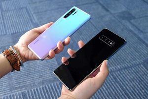 Huawei P30 Pro đọ thiết kế Samsung Galaxy S10 Plus