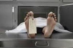 Cấp dưới bị 'tố', chủ tịch phường đến nhà dân nhận hồ sơ khai tử