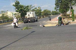 Nam công nhân bị xe container cán tử vong khi đi làm