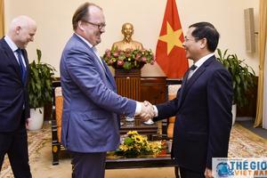 Thứ trưởng Bùi Thanh Sơn tiếp Giám đốc OECD