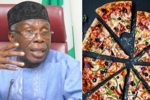 Dân Nigeria đặt bánh pizza từ Anh để 'thể hiện đẳng cấp'?