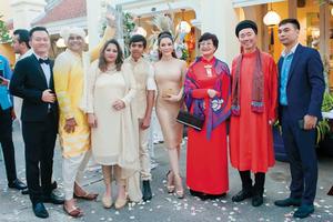 Tỷ phú Ấn Độ cưới vợ tại Việt Nam, còn chúng ta phải làm gì?