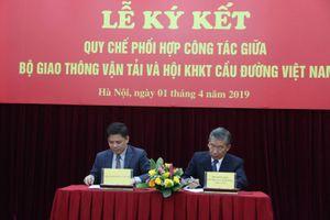 Bộ GTVT và Hội KHKT Cầu đường VN tiếp tục tăng cường công tác phối hợp