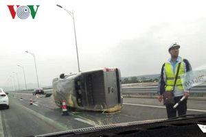 Quảng Ninh liên tiếp xảy ra tai nạn trên cao tốc Hạ Long - Hải Phòng
