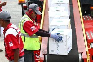 Nhân viên quân sự Trung Quốc mang 65 tấn hàng đến Venezuela