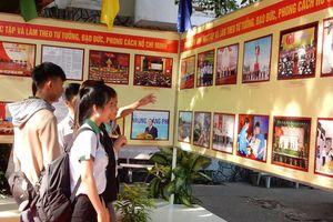 Triển lãm gần 200 hình ảnh, bút tích của Chủ tịch Hồ Chí Minh tại Cần Thơ