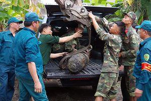 Di dời quả bom hơn 200 kg trong khu dân cư ở Quảng Ninh