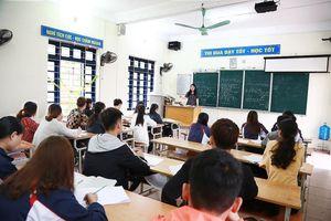 Học sinh trường Tiên Yên đi học trở lại