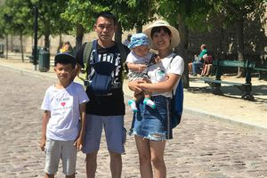 Người Việt ở nước ngoài: 'Học đại học xong sang đây rửa xe à?'
