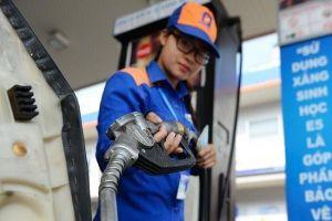 Giá xăng tăng mạnh hơn 1.300 đồng/lít từ 17 giờ chiều nay