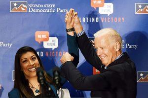 Người phụ nữ thứ hai tố cựu Phó Tổng thống Mỹ Biden đụng chạm khiếm nhã