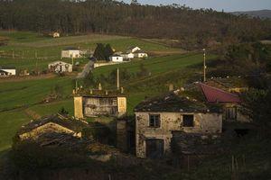 Hàng trăm 'ngôi làng ma' được rao bán ở Tây Ban Nha