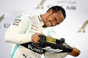 Lewis Hamilton xóa dớp không nhất chặng F1 Bahrain
