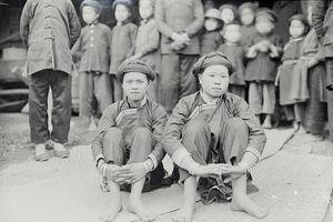 Soi đám cưới trẻ em người Tày Bắc Hà một thế kỷ trước
