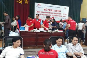 Ngành giáo dục Cẩm Khê hưởng ứng Ngày hội hiến máu giọt hồng Sông Thao