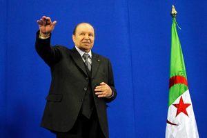 Tổng thống Algeria được chấp thuận từ chức