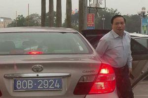 Ninh Bình xác minh nghi vấn 1 ô tô đeo 2 biển xanh