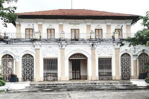 Bảo tàng Long An được hiến tặng 555 cổ vật, hiện vật quý