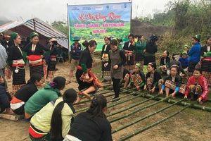 Độc đáo lễ cúng thần rừng của người Thái