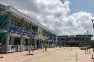 Quảng Ngãi: Trường mầm non 3,7 tỷ, vừa đưa vào sử dụng đã xuất hiện hàng loạt vết nứt