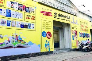 Háo hức hội sách Ngoại Văn lớn nhất Thành Phố Hồ Chí Minh