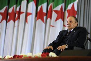 Tổng thống Algeria từ chức trước sức ép của người dân