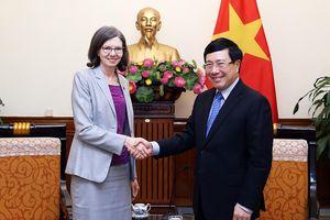 Đề nghị Canada đa dạng hóa các lĩnh vực đầu tư tại Việt Nam