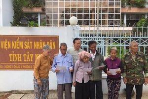 7 nạn nhân được trao quyết định đình chỉ điều tra