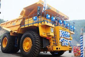 Cận cảnh xe tải 'khủng' BelAZ mới giá 35 tỷ ở VN