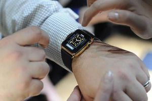 Apple Watch sẽ sử dụng tấm nền OLED của Japan Display