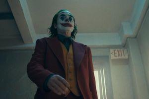DC tung trailer Joker đầy ám ảnh và điên loạn
