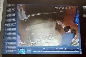 Người đàn ông thừa nhận có uống bia trước khi 'sàm sỡ' bé gái trong thang máy