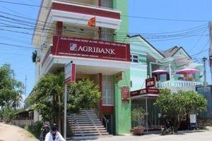 Sổ tiết kiệm hàng trăm triệu gửi ở Agribank biến mất: Chính nhân viên ngân hàng lấy tiền?